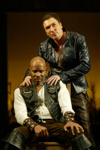 Patrick Page and Avery Brooks in OTHELLO at the Shakespeare Theatre Company