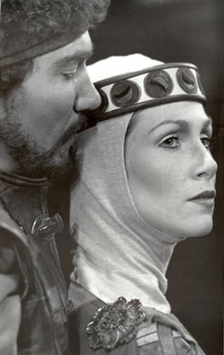 Patrick Page and Monica Bell in MACBETH
