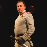 Patrick Page as Coriolanus in the Shakespeare Theatre Company's production of 'Coriolanus', directed by David Muse. Photo by Scott Suchman.